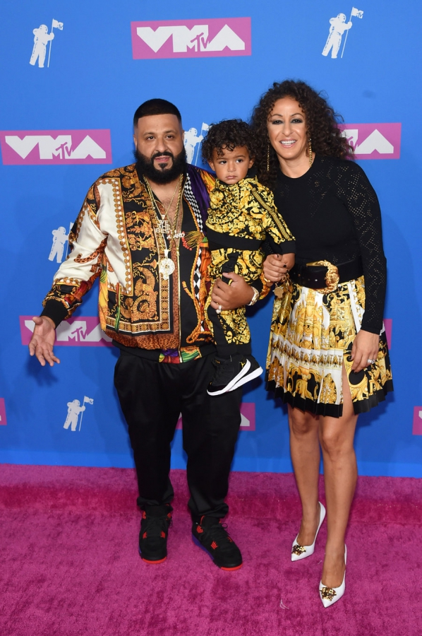 dj-khaled-asahd-khaled-nicole-khaled-mtv-vmas-arrivals-август-2018