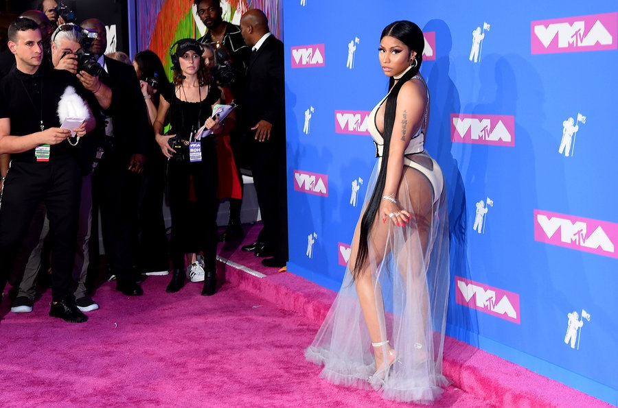 nicki-minaj-mtv-vmas-arrivals-август-2018