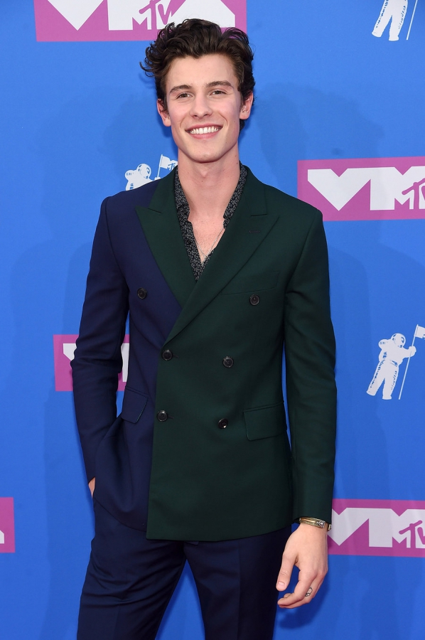shawn-mendes-2018-vma-red carpet-август-2018